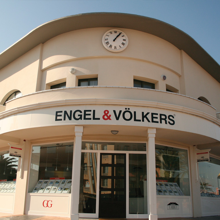 Engel and Volkers – External and Internal Signage